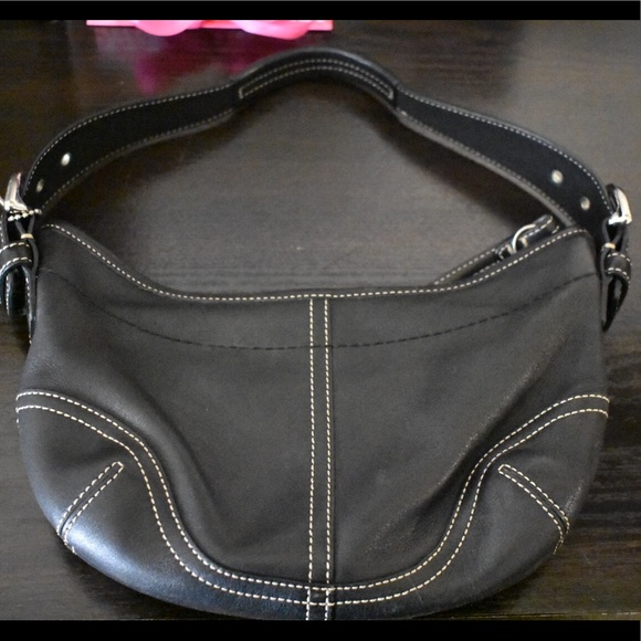 Coach Handbags - Classic Leather Coach Shoulder Bag